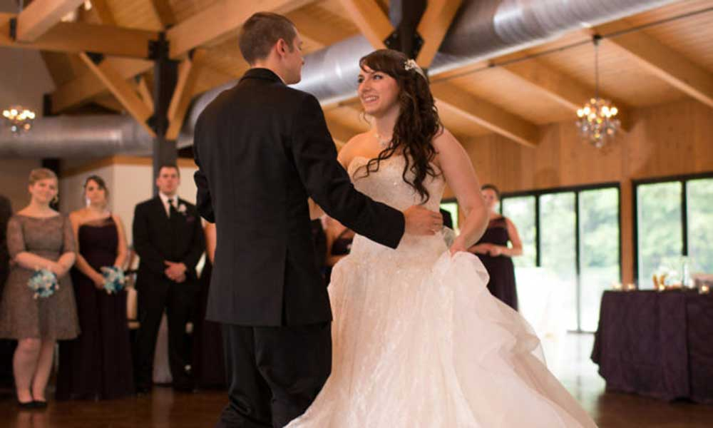 romantic vintage wedding, Hershey, wedding dance