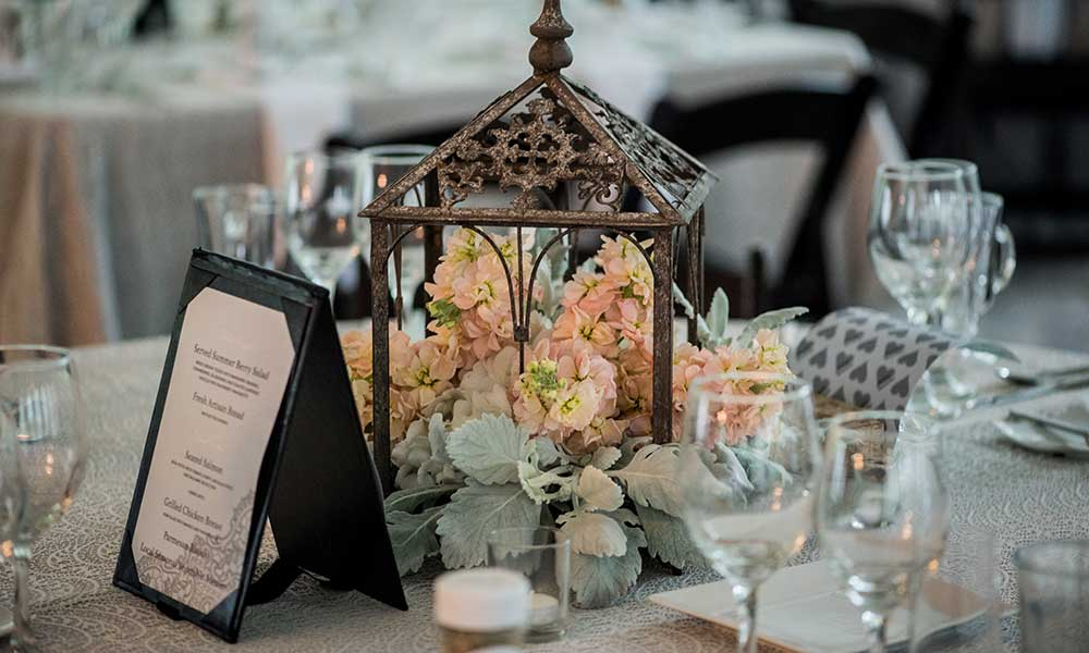 Elizabethtown-Victorian-Wedding-table-decor-2